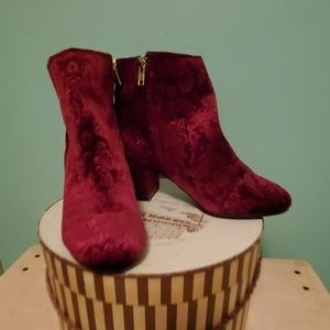 Zigisolo maroon ankle boots size 8